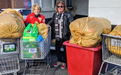 Jeannie Seely & Tim Atwood Begin New Year With Special Deliveries to Nashville Animal Shelters